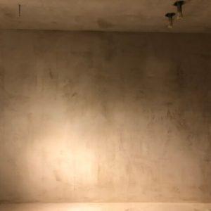 Murermester Mads Tolderlund - udførelse af microcement gulv i grat